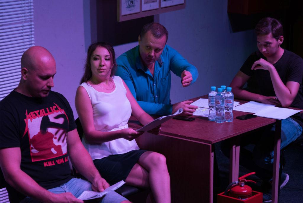 Астраханские журналисты сыграли в полицейских и задержанных
