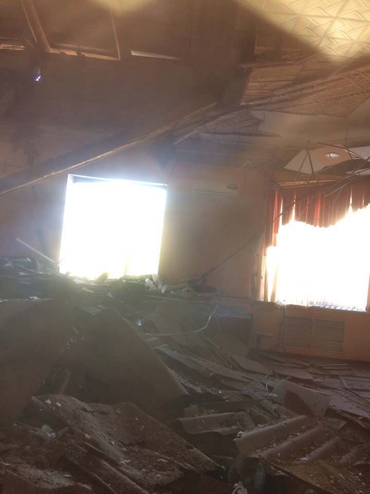 В астраханском центре дополнительного образования обрушилась крыша
