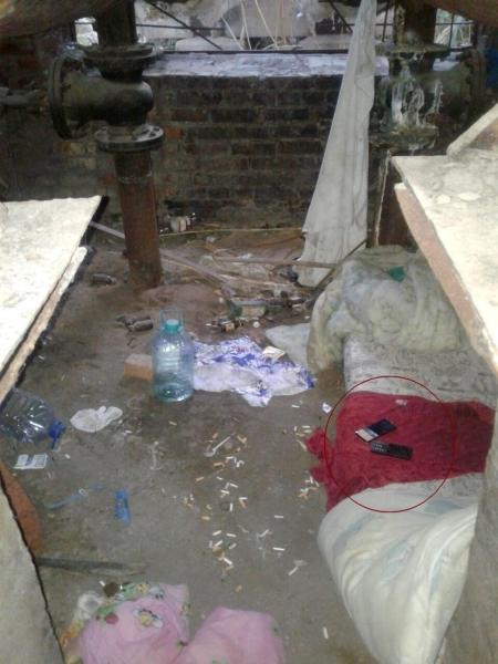 В Астрахани грабитель напал на семейную пару, которая сняла деньги в банкомате