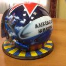 Губернатору Астраханской области изготовили именной шлем летчика