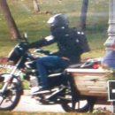 В Астрахани мотоциклист проехался по пешеходной зоне площади Ленина