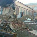 Стена школы в Астрахани чуть не рухнула во время ремонта