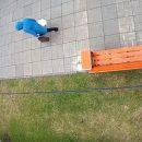 В Астрахани попало на видео, как два ребенка ломают «умную» лавочку