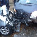 В Астрахани маршрутка и иномарка совершили лобовое столкновение, есть пострадавшие