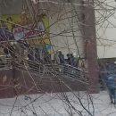 Астраханцы обеспокоены скоплением пожарных возле торгового центра на Савушкина
