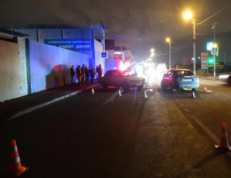 В Астрахани пять пассажиров пострадали из-за того, что водитель не уступил дорогу