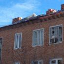 В Астрахани ремонт крыши многоэтажного дома начали в декабре