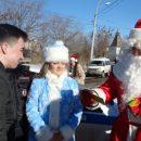 Поздравлявшие астраханцев Дед Мороз и Снегурочка оказались сотрудниками полиции