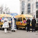 Астраханские школы и больницы получили 19 новых автомобилей