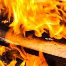 На пожаре в Астрахани спасли три человека