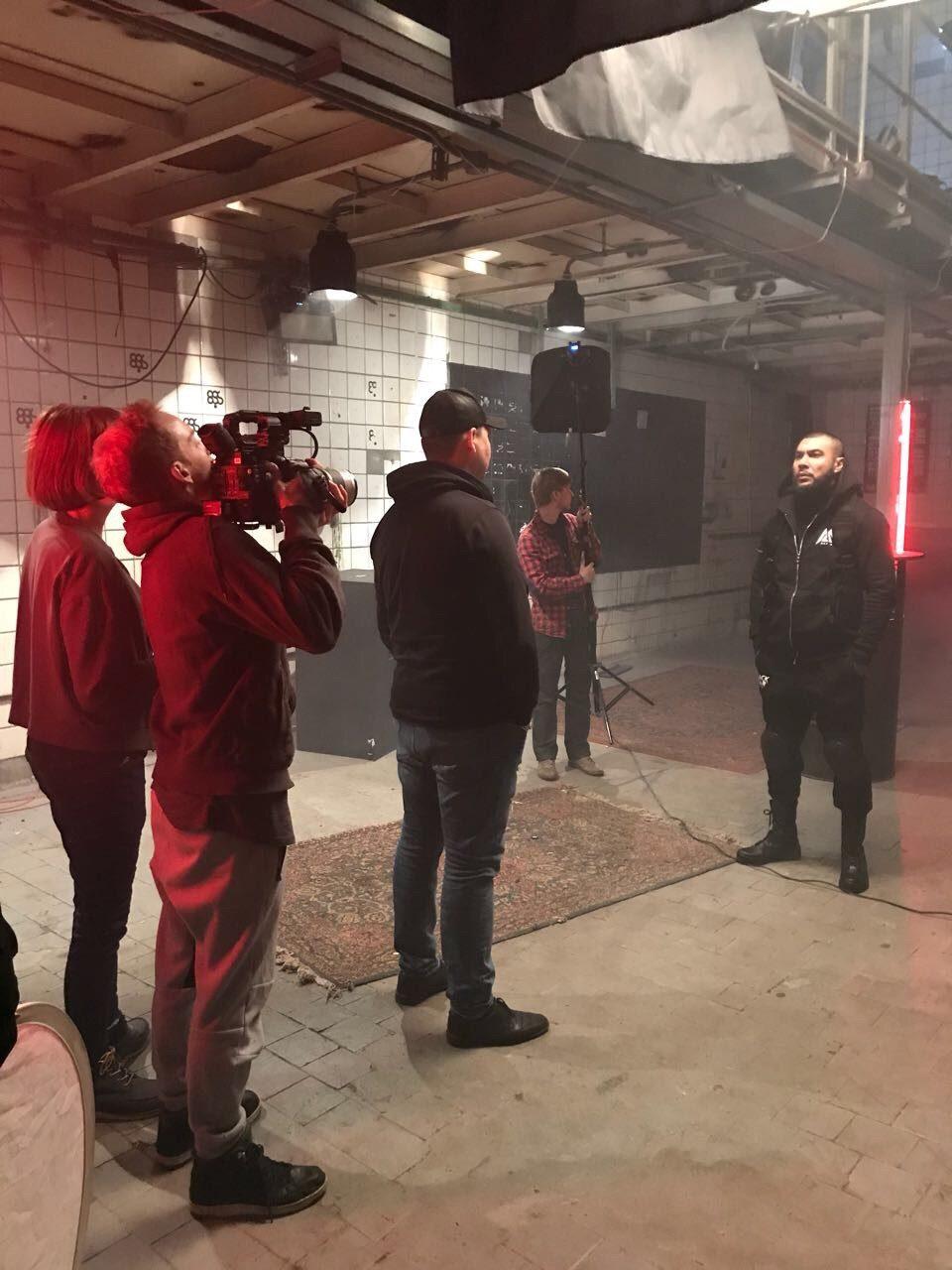 Житель Верхнего Баскунчака стал популярным столичным клипмейкером