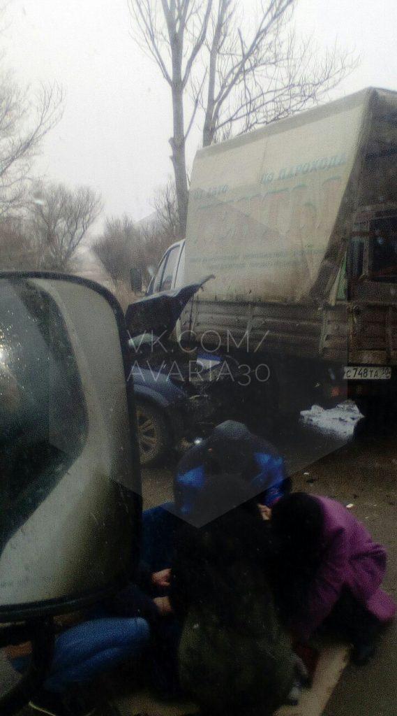 Под Астраханью столкнулись четыре машины, есть пострадавшие