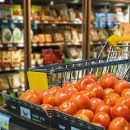 Астраханцев просят отказаться от покупки нескольких потенциально опасных молочных продуктов