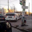 Полиция в Астрахани наказала водителя лимузина, проехавшегося по тротуару