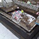 В Астрахани вандалы разгромили надгробья могил на двух кладбищах