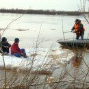 В Астрахани школьников унесло на льдине