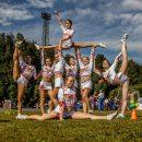 В Астрахани девочки-чирлидеры учатся зарабатывать на поездки по турнирам