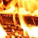 В Астрахани тушили два пожара в многоквартирных домах