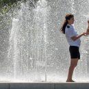 В Астрахани заработали фонтаны