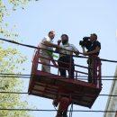 В Астрахани губернатор залез на крышу