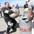 Силачи со всей России съехались в Астрахань и установили новый рекорд страны