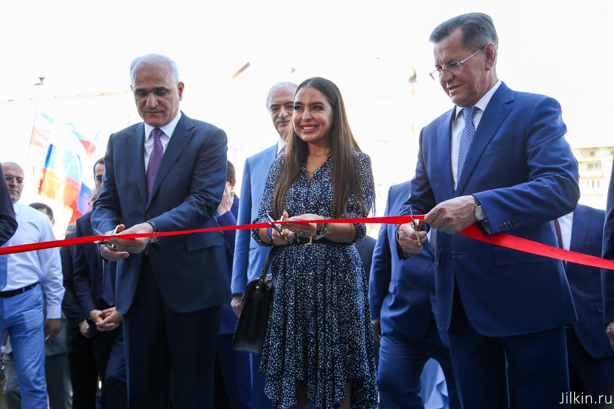 Первый в России деловой центр Азербайджана открыли в Астрахани