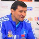 Бывший главный тренер «Волгаря» оплачивает счета своей новой команды.
