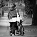 В Астрахани таксисты отказались везти инвалида-колясочника