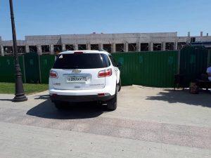 Астраханцы возмущены проезжающими по Петровской набережной автомобилями