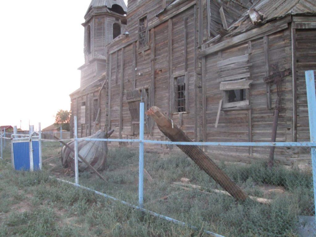 В Астраханской области разрушилась старинная церковь