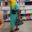 В Астрахани сфотографировали загадочную блондинку