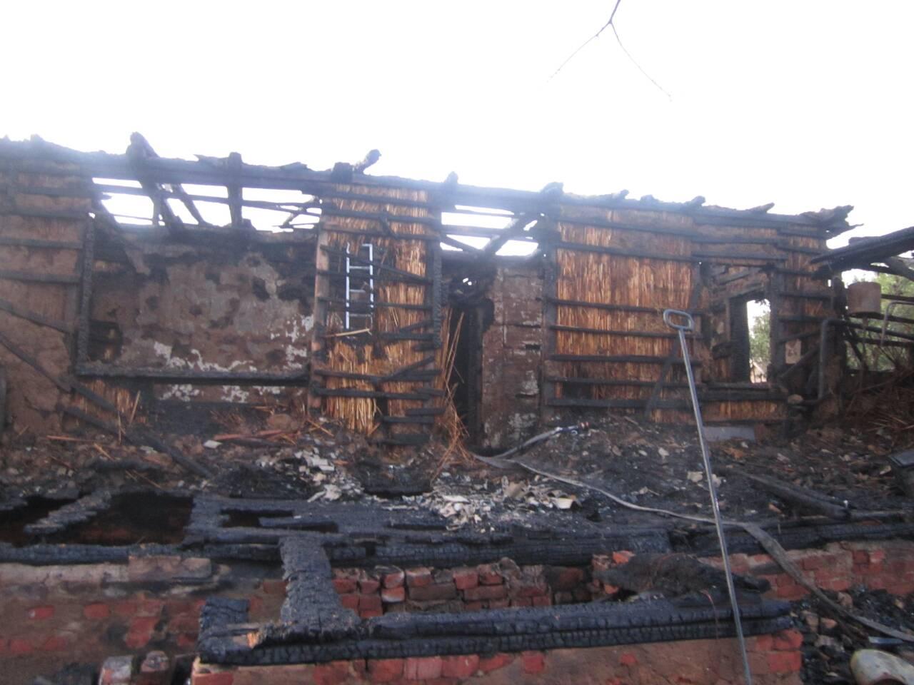 Под Астраханью сельчанин поджог дом соседа – погибла женщина