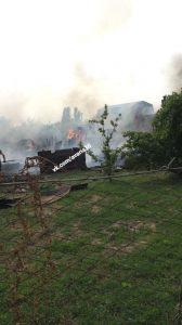 Очевидцы рассказали подробности о крупном пожаре в Трусовском районе Астрахани