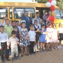 Благотворительный фонд «ЛУКОЙЛ» подарил воспитанникам реабилитационного центра «Вера» новый микроавтобус