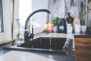 Новые тарифы на воду заставят абонентов Астрахани экономить