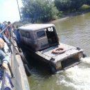 Под Астраханью сфотографировали гибрид УАЗа и лодки