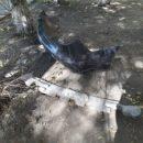В Астрахани автомобиль вылетел на тротуар и снес фонарные столбы и скамейки