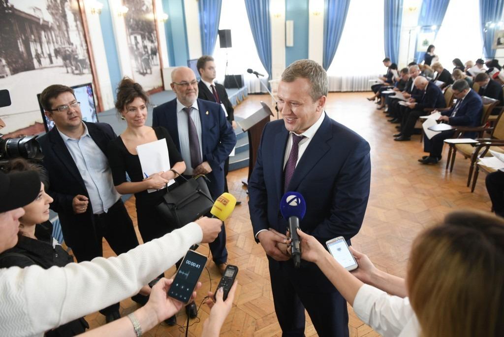 Глава Астраханской области написал этнографический диктант