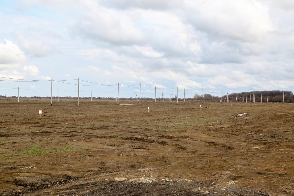 В Камызяке 24 многодетные семьи получили в собственность земельные участки
