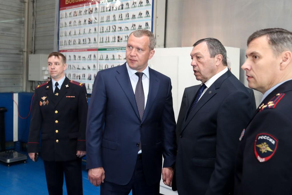 Сергей Морозов встретился с руководством Астраханского суворовского училища