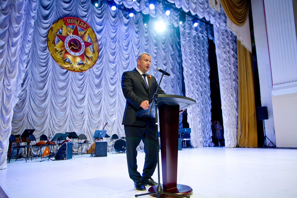 В Астрахани для ветеранов Великой Отечественной войны и тружеников тыла прошёл праздничный концерт