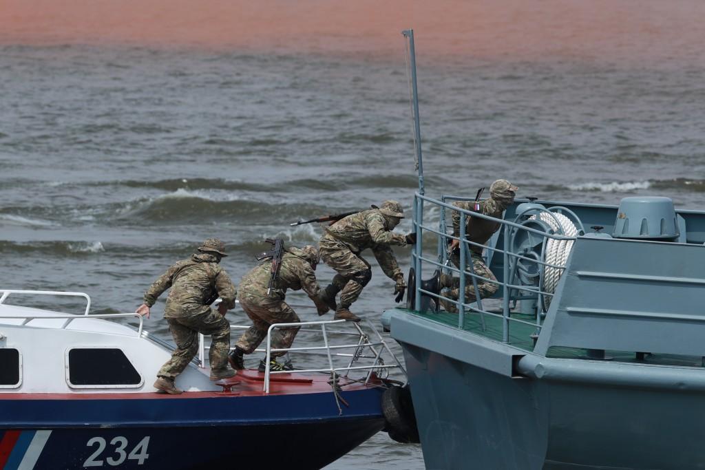 Глава Астраханской области принял участие в праздновании Дня Военно-Морского Флот
