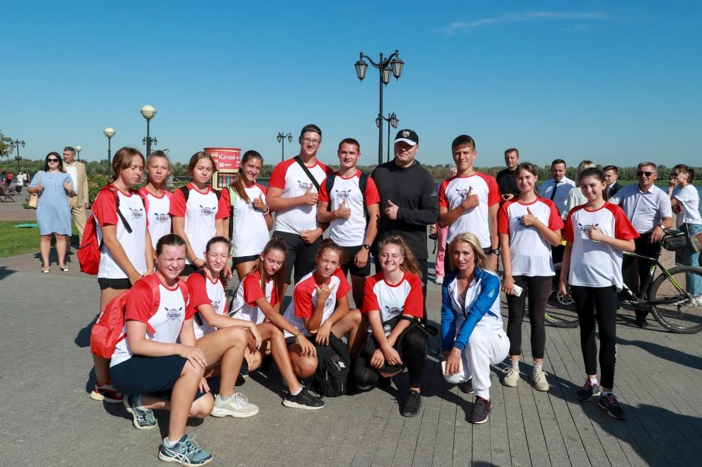 Глава Астраханской области принял участие в олимпийской зарядке