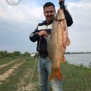 Астраханцы продолжают вылавливать трофейных сазанов