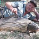 Под Астраханью гигантский сазан дал бой рыбаку