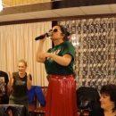 Наташа Королева спела и поела в астраханском кафе