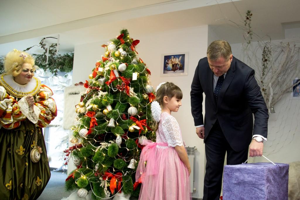 Астраханский губернатор рассказал о своем детстве и лучшем подарке на Новый год