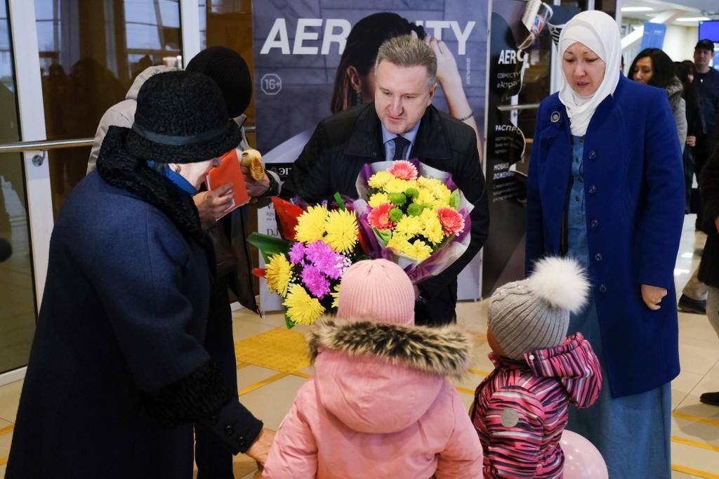 Две девочки, доставленных из Сирии в РФ, вернулись в Астрахань с отцом