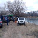 Трое рыбаков погибли подо льдом реки в Астраханской области
