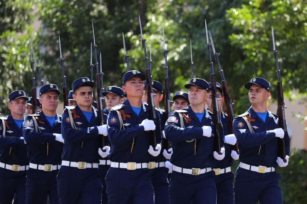 В Астрахани состоялось торжественное построение войск гарнизона в честь 75-летия Победы